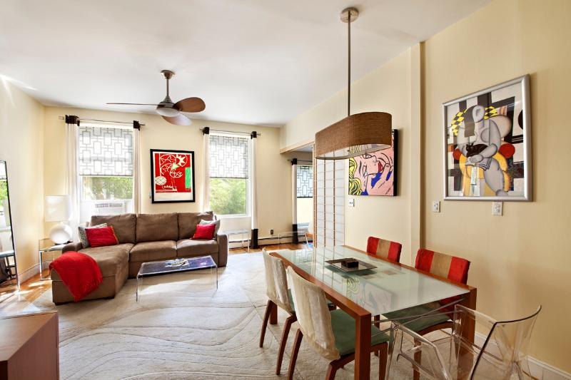 Living room - Apartment Sol, Beautifully Sun Filled, Manhattan - New York City - rentals