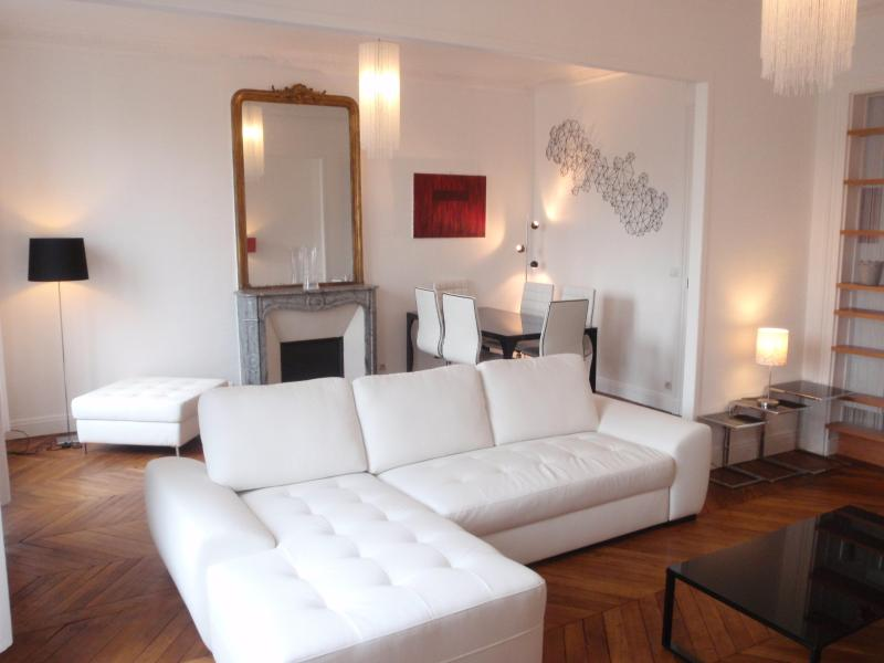The big living room - In the heart of Paris - Design apartment w/balcony - Paris - rentals