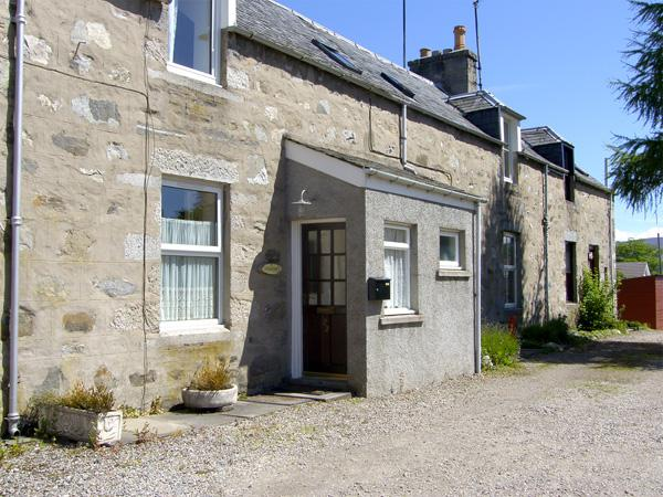 CRAIGVIEW COTTAGE, family friendly, country holiday cottage in Grantown-On-Spey, Ref 1771 - Image 1 - Grantown-on-Spey - rentals