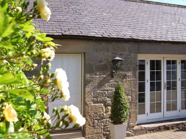 THE COACH HOUSE, pet friendly, country holiday cottage in Chirnside, Ref 2994 - Image 1 - Chirnside - rentals