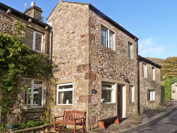 CLIFFORD HOUSE FARM, pet friendly, character holiday cottage, with a garden in Buckden, Ref 922 - Image 1 - Buckden - rentals