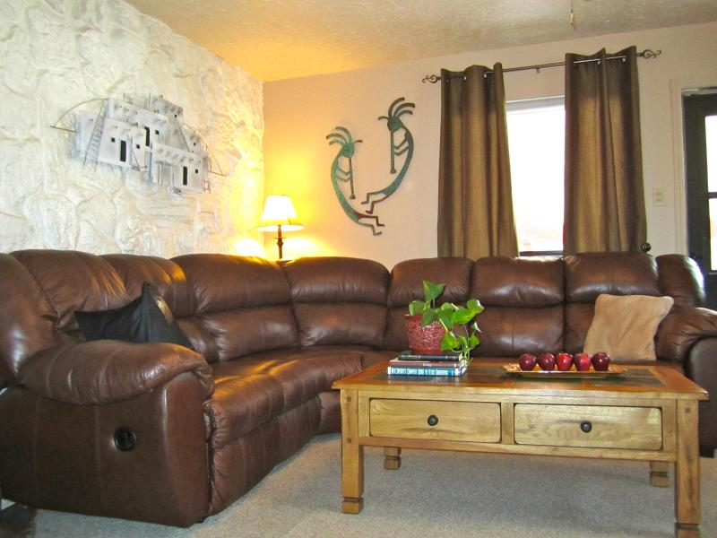 Premier Red River Condo with Hot Tub, Playground. - Image 1 - Red River - rentals