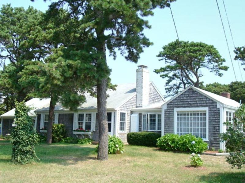 Some views & 5 houses to Old Mill Point beach - Image 1 - West Harwich - rentals