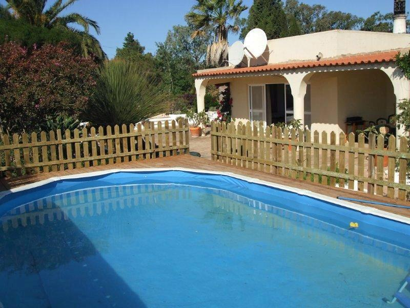 The villa looking from the secure pool - Secluded spacious villa in Algarve Natural Park - Burgau - rentals
