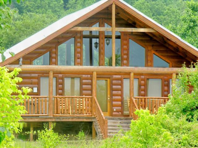 Awesome Romantic Getaway Cabin!  Large Covered Front Porch! - Romantic Cabin! Views, Pool Table, WiFi, Hot tub! - Wears Valley - rentals