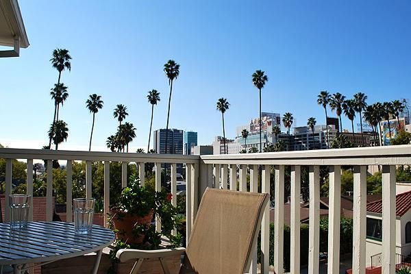 View from balcony - Hollywood Retreat, Walkable, Central, Convenient - Los Angeles - rentals