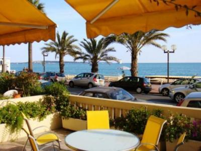 Le Palais de la Plage 2 Bedroom Apartment, Near the Beach - Image 1 - Cannes - rentals