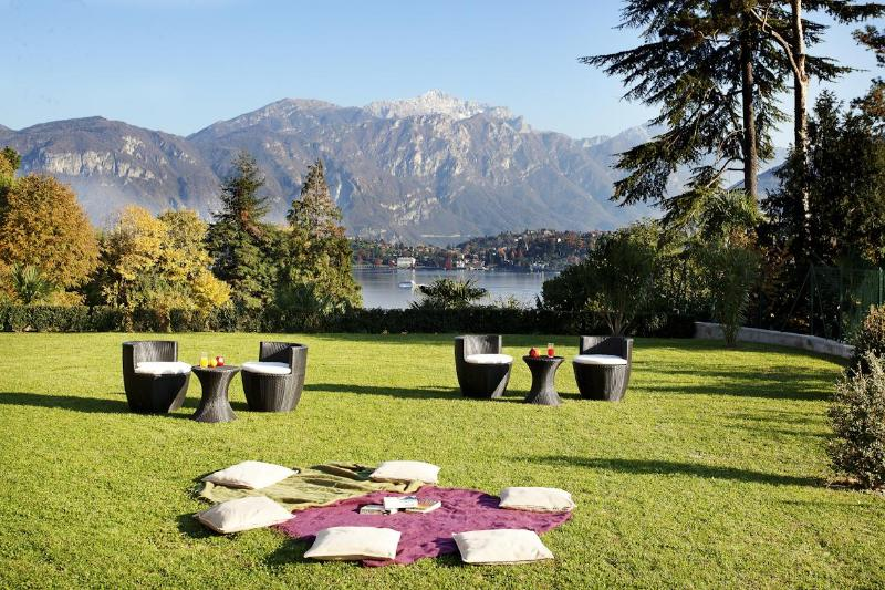 Unwind in the huge private lake view garden - Tremezzo Residence (Apt 6) Extended garden home - Como - rentals