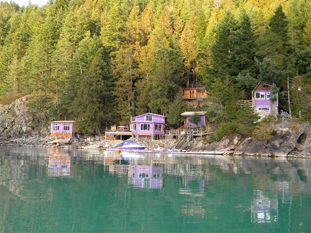 Elfinlau Paradise - Waterfront Cabins Harrison Hot Springs BC Canada - Harrison Hot Springs - rentals
