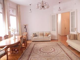Sitting room and looking towards hall. - 'Elegance in the Heart' apartment, large 3 bedroom - Budapest - rentals