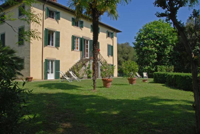 Villa Clara | Villas in Italy, Venice, Rome, Florence and Paris - Image 1 - Lucca - rentals