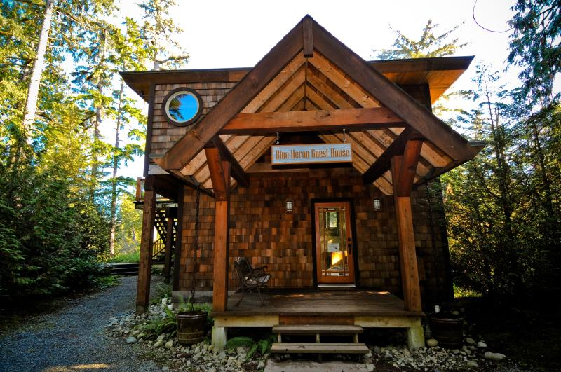 Front View - Blue Heron House Inlet Retreat - Tofino - rentals