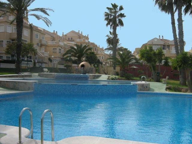 Stunning pool, known as the best in the area - Lovely ground floor 2 bed apartment stunning pool - Alicante - rentals