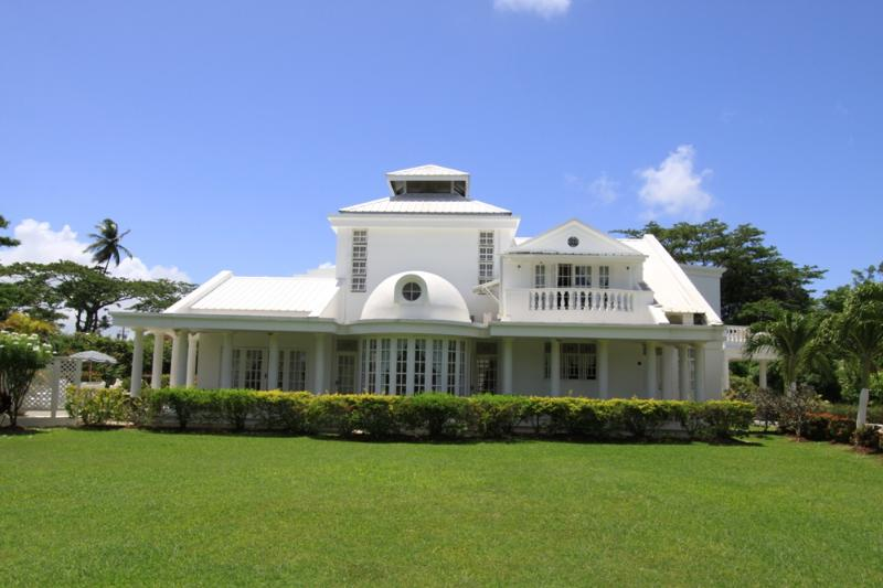 Villa de Lena: Sleeps 6 for only US$229/night - Image 1 - Bon Accord - rentals