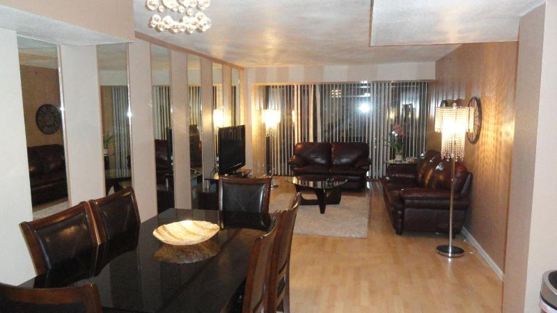 Living Room - Gorgeous Penthouse suite next to the Bellagio! - Las Vegas - rentals