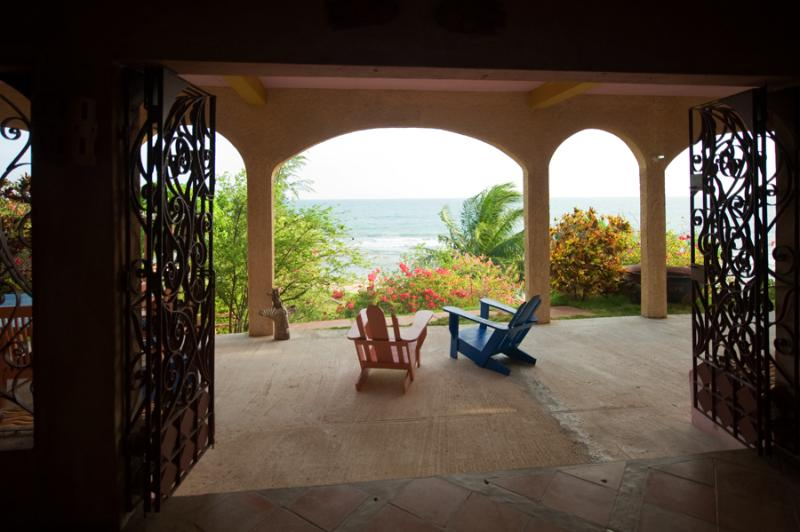 The view, the sound of the waves and the breeze will relax your mind. - The Buccaneer Villa - Treasure Beach - rentals