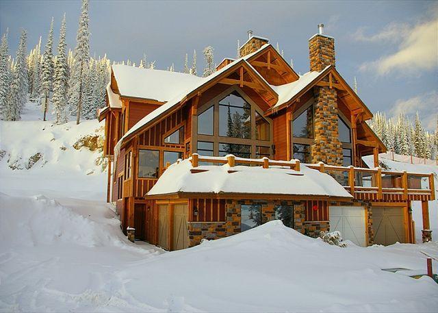 FRONT ELEVATION - Grizzly Ridge #1 Upper Snowpine Location Sleeps 9 - Big White - rentals