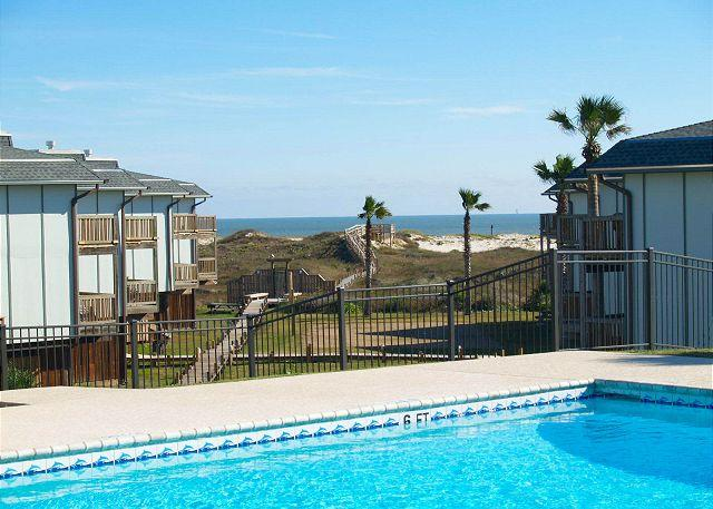 2 bedroom 2 bath condo located in Gulf FrontBeachhead - Image 1 - Port Aransas - rentals