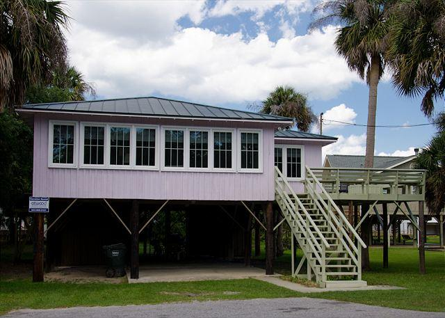 Slowpoke - Original Updated Beach Home Steps To the Ocean - Image 1 - Edisto Island - rentals