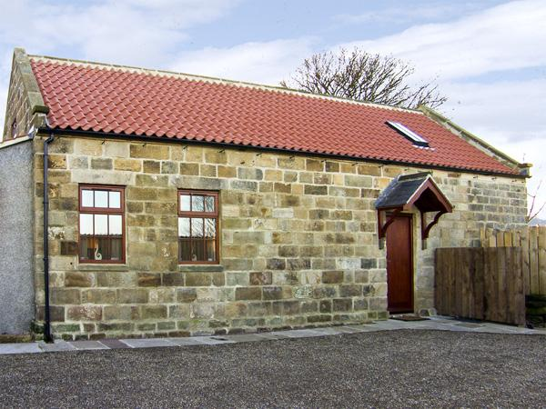 LANES BARN, family friendly, character holiday cottage, with a garden in Glaisdale, Ref 3728 - Image 1 - Glaisdale - rentals