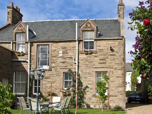BANK VIEW, pet friendly, country holiday cottage, with a garden in Chirnside, Ref 3663 - Image 1 - Chirnside - rentals
