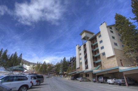 Lovely 2 BR, 2 BA Condo in Stateline (HNC0641) - Image 1 - Stateline - rentals