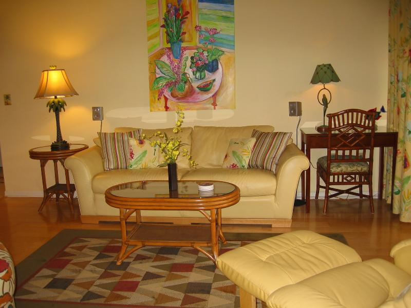 Living Area - Peaceful Haven on Siesta Key with Beach Access - Sarasota - rentals