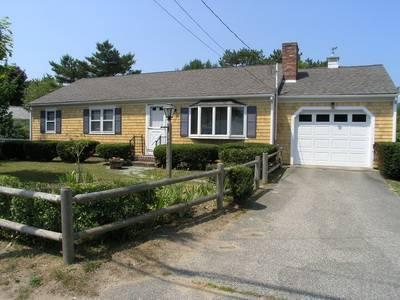 Nice House with 3 BR/2 BA in Dennis Port (Sea St 215) - Image 1 - Dennis Port - rentals