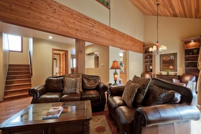 Fabulous 3 Bedroom-3 Bathroom House in Deer Valley (Lakeside #1613) - Image 1 - Park City - rentals