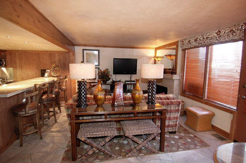 living_area_1.jpg - Fifth Avenue Unit 2 - Aspen - rentals