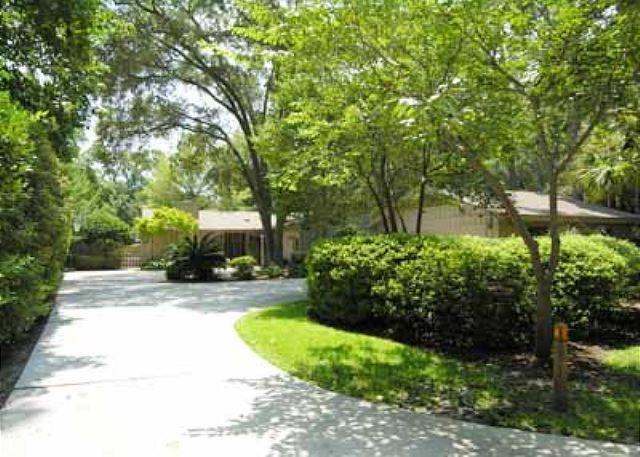 St. Andrews Rd 13 - Truly Exciting 4BR/3BA Beautiful Home in Sea Pines with Backyard and Deck - Hilton Head - rentals