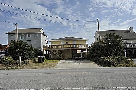 Outside house - P.R.'s Retreat, 501- N Anderson Blvd, Topsail Beach, NC, - Topsail Beach - rentals