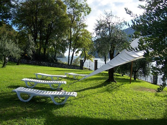 "garden - ""La Stalletta"" Attic  - Montisola holiday house Lake Iseo - Sensole - rentals"