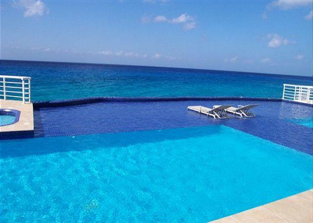Marazul Oceanfront Pool - 3 BR Oceanfront Condo & Pool, Snorkeling, Sunsets, Oceanview Tub - Cozumel - rentals