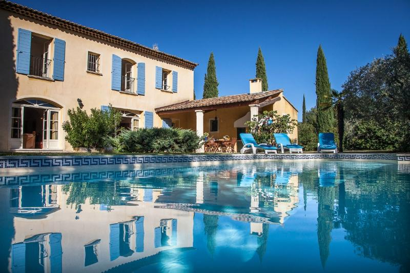 Mas Charmant Villa in Provence, St. Remy villa, holiday rental in St. Remy - Image 1 - Saint-Remy-de-Provence - rentals