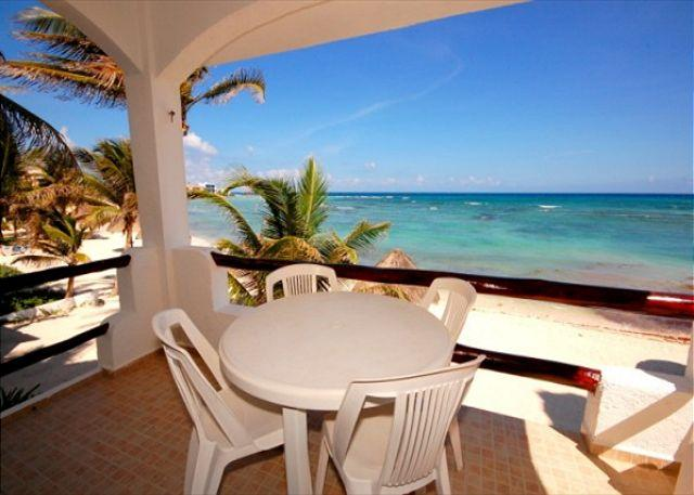 Luna Azul #4 private terrace. Half Moon Bay, Akumal - BEACHFRONT CONDO! Perfect Location! Great Snorkleing! Everything you Need! - Akumal - rentals