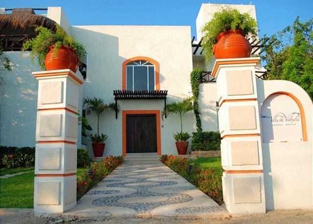 Street Side Entry - Villa de Valhalla - Akumal - rentals