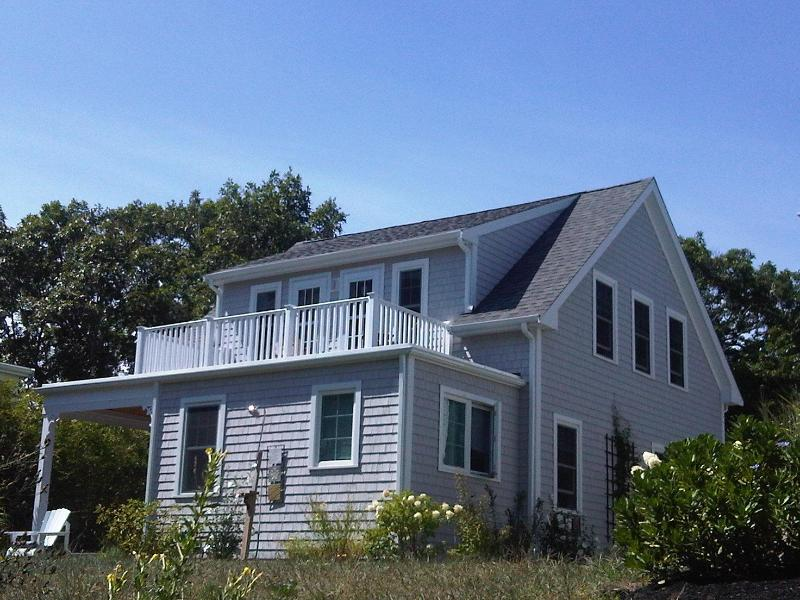 Farmer\'s porch, deck looking to the sea - Perfect Vacation in Manomet - Manomet - rentals