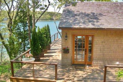 CROW'S NEST: PRIVATE BEACH & DOCK ON THE LAGOON - OB BCOR-337 - Image 1 - Oak Bluffs - rentals