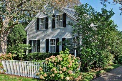 CLASSIC AND STYLISH RETREAT IN EDGARTOWN VILLAGE - EDG CPOL-63 - Image 1 - Edgartown - rentals