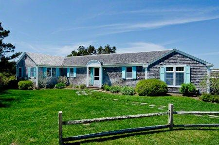 HERRING CREEK FARM: VINTAGE WATERFRONT CHARMER WITH POOL AND PRIVATE BEACH - KAT MCOH-01 - Image 1 - Edgartown - rentals