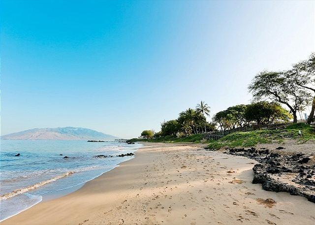 Kamaole Beach 3 just across from Kamaole Sands - Kamaole Sands #3-402 Ocean View Sleeps 6. Summer/Construction Rate: $179.00 - Kihei - rentals