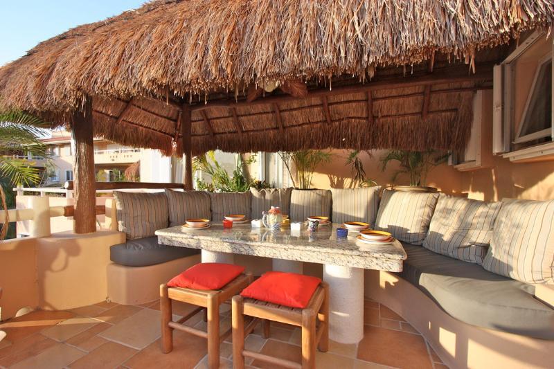 Amazing al fresco dining for every meal - Villa del Mar B 304- Casa Familia - Puerto Aventuras - rentals
