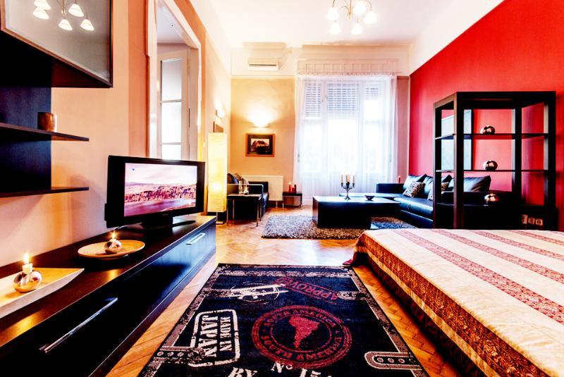 186sqm 3br apartment Downtown Square A/C, Wifi - Image 1 - Budapest - rentals