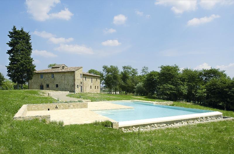 Farmhouse Rental in Tuscany, Castellina in Chianti (Chianti Area) - Casa Luciana - Image 1 - Castellina In Chianti - rentals