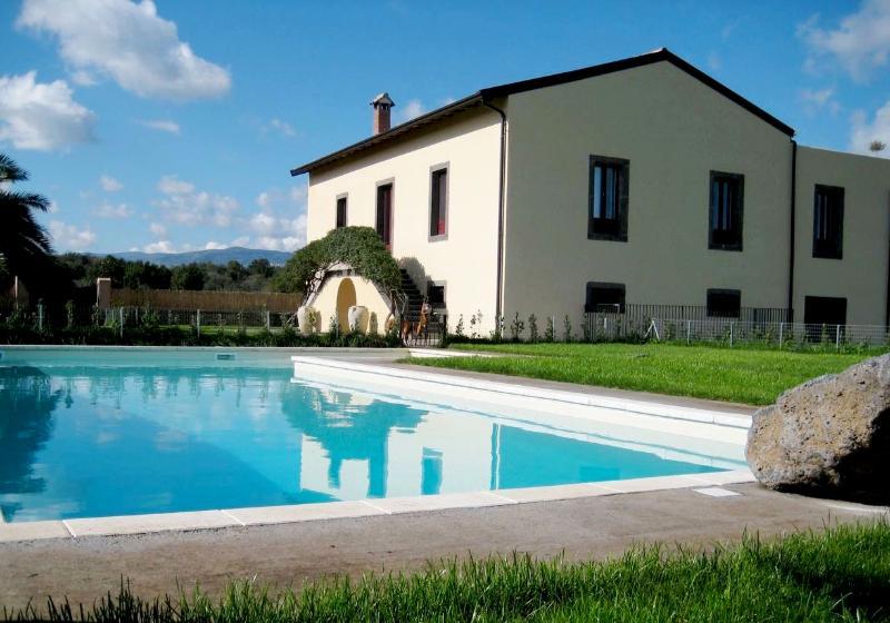 Villa Rental in Sicily, Moio Alcantara - Tenuta de Nereides - Image 1 - Castiglione di Sicilia - rentals