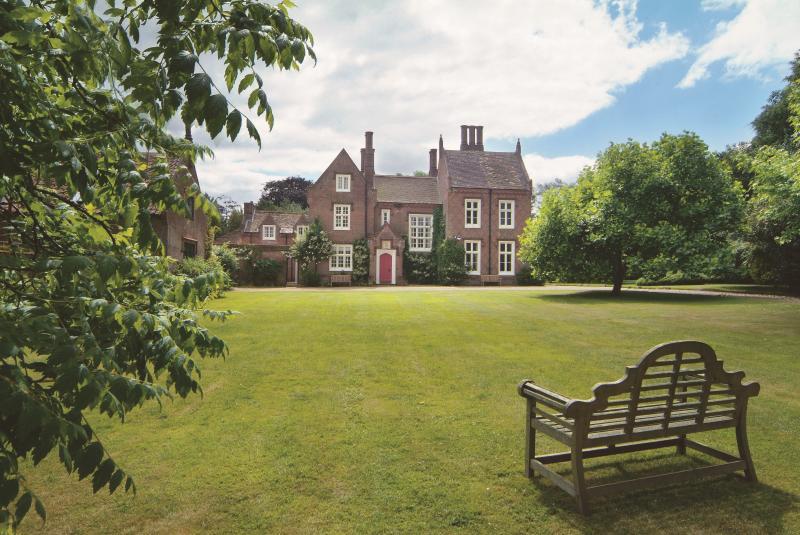 UK Large Cottage - The Parsonage - Image 1 - Norwich - rentals