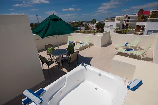 nice big rooftop terrace with jacuzzi - RINCONADA DEL MAR PH - free tan with your rental! - Playa del Carmen - rentals