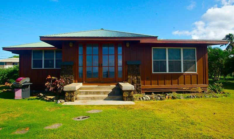 Kimsey Cottage Front - The Kimsey Beach Cottage - Luxury Guest House - Kekaha - rentals