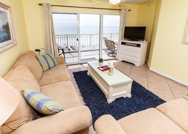 Beautiful 2bd/2ba unit sleeps 8 - GD 402: -Fantastic 2B/2Ba gulf front condo!   Free Beach Service included! - Fort Walton Beach - rentals
